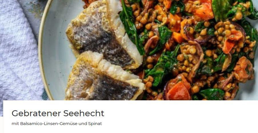 Gebratener Seehecht mit Balsamico-Linsen-Gemüse und Spinat