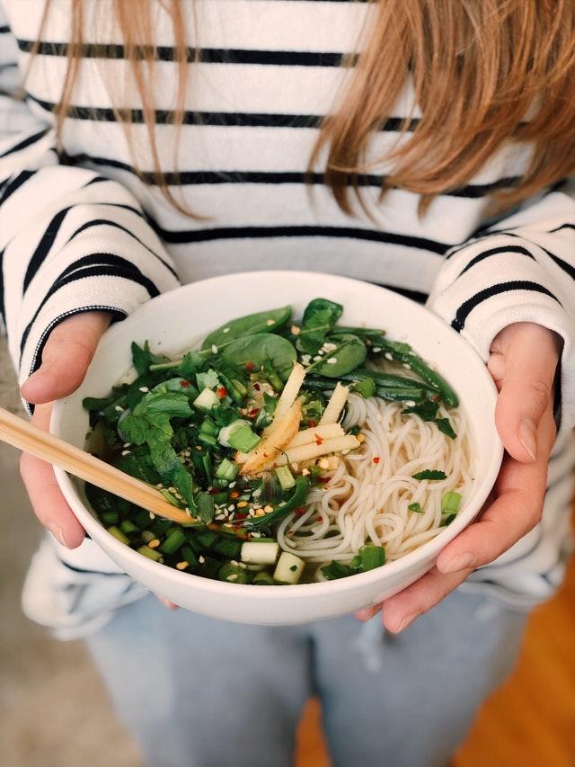 Kochbox für Familien – Bei diesen 3 Anbietern wird die ganze Familie satt