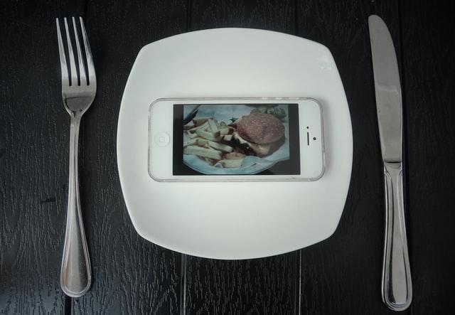 Gerichte bestellen: Diese 4 Anbieter liefern leckeres Essen