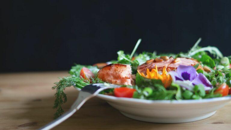 Gesundes Essen bestellen: Darauf solltest du achten (+4 Anbieter)