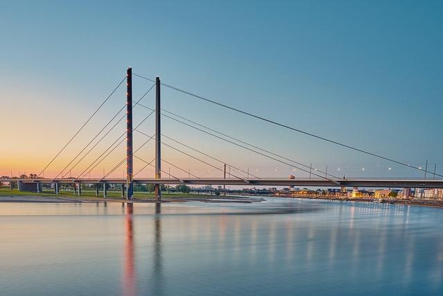 Lieferdienst Düsseldorf: Wir vergleichen 9 Lieferdienste in Düsseldorf